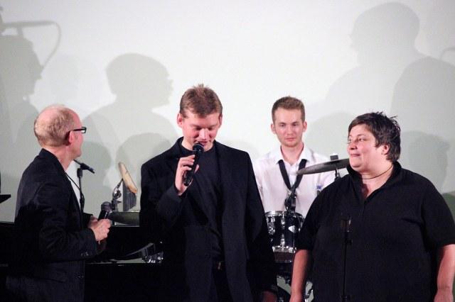 Falk & Sons mit Halveraner Projektchor